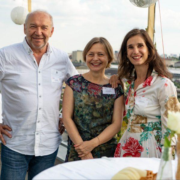 Franjo Steiner, Gertraud Illmeier und Daniela Mussnig beim IZ-Terassenfest 2019